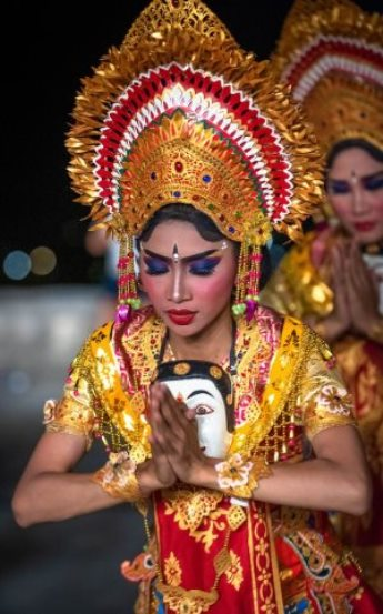 Traditional dancer dressed as a Hindu goddess in Bali